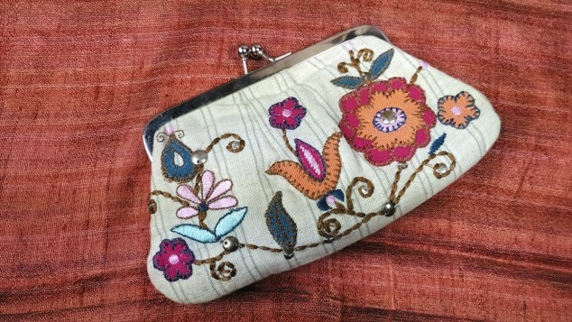 bags-and-clutches-craftsbazaar-made-in-india-11