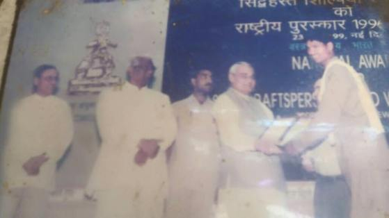 Meet-the-Master-Series-Shree-Ajay-Kumar-Dhokra-Craft-Chattisgarh-India-Aparna-Challu-jpg (4)
