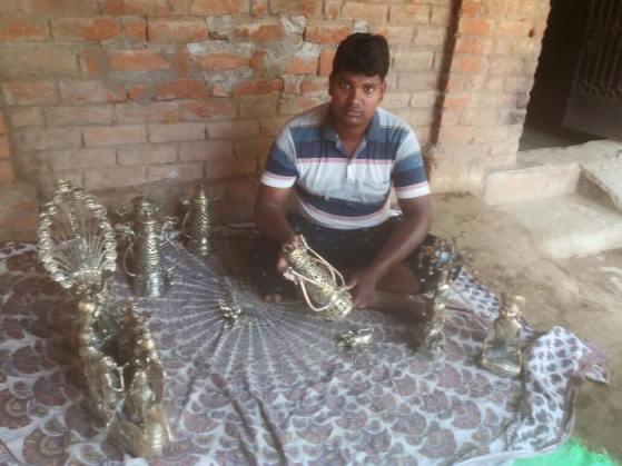 Meet-the-Master-Series-Shree-Ajay-Kumar-Dhokra-Craft-Chattisgarh-India-Aparna-Challu-jpg (5)