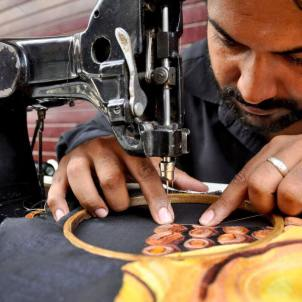 Meet-the-Master-Series-Shree-Arun-Kumar-Thread-painting-Punjab-India-Aparna-Challu-jpg (5)