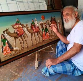 Meet-the-Master-Series-Shree-Rashid-Khan-Heritage-Mud-Relief-Painting-Master-craftsman-Kutch-Gujarat-Aparna-Challu-jpg (7)